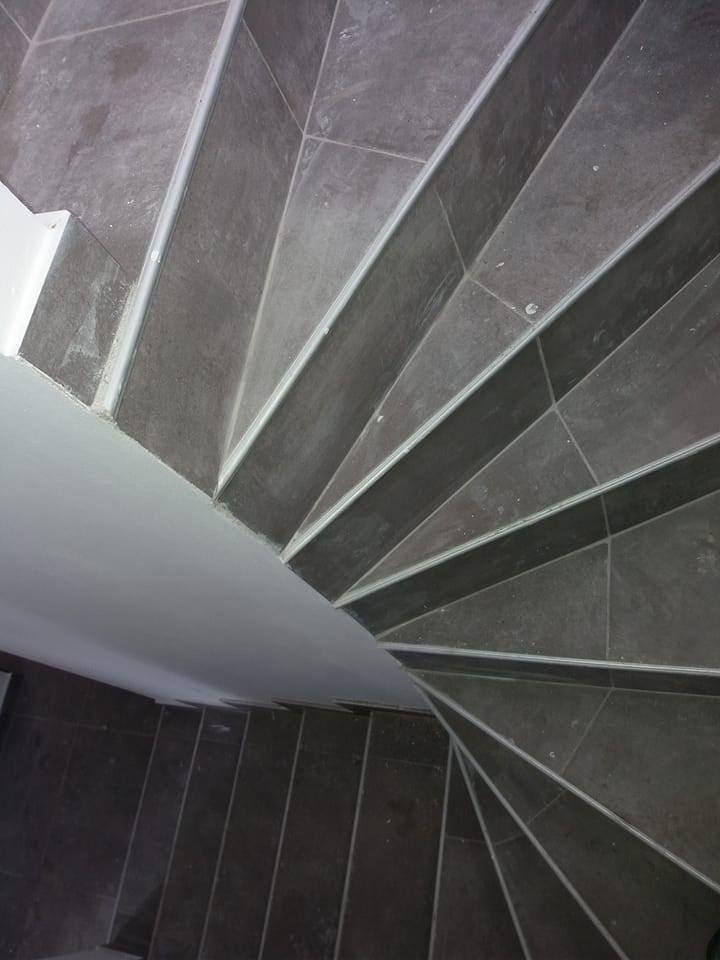 Illustration Pose carrelage Escalier 2